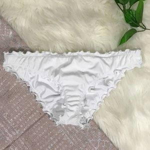 NWOT Shade & Shore \\ ruffle cheeky bikini bottoms